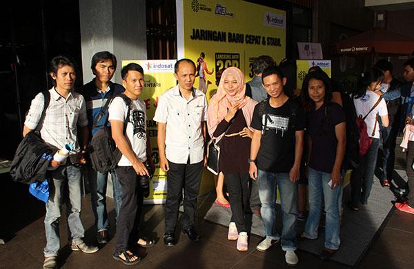 Foto bersama Kawanua Blogger dengan perwakilan Indosat