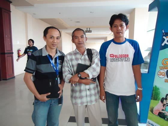 eserzone suryaden nouval Hari Kedua Kopdar Blogger Nusantara