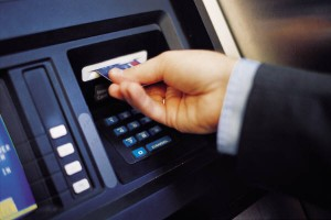 kesalahan sistem perbankan Melinda Dee, Debt Collector dan Kesalahan Transaksi Bank