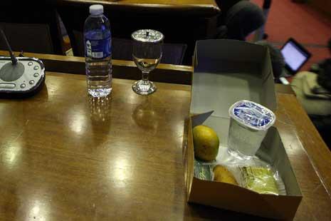 snack angota dpr Saya Setuju Jika Anggota DPR Protes Soal Snack